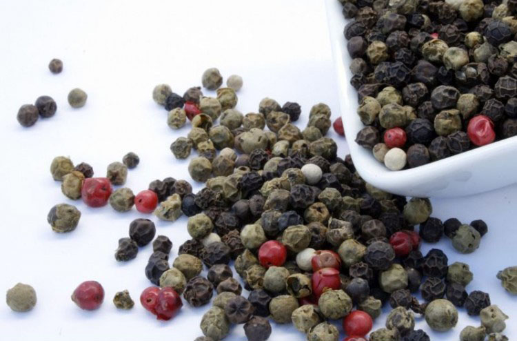 mixed-pepper-whole-750x650-1.jpg